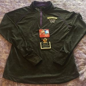 Washington Huskies Long Sleeve Shirt & Ornament